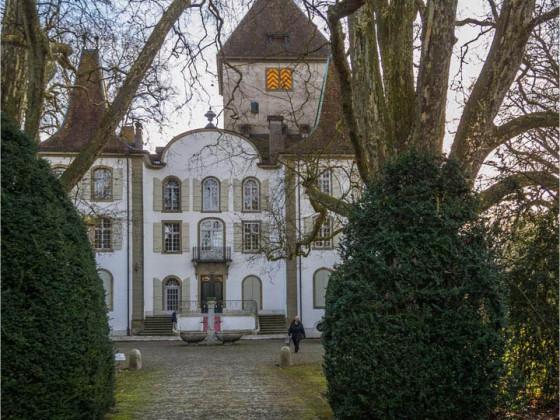 Schloss Jegenstorf vorne