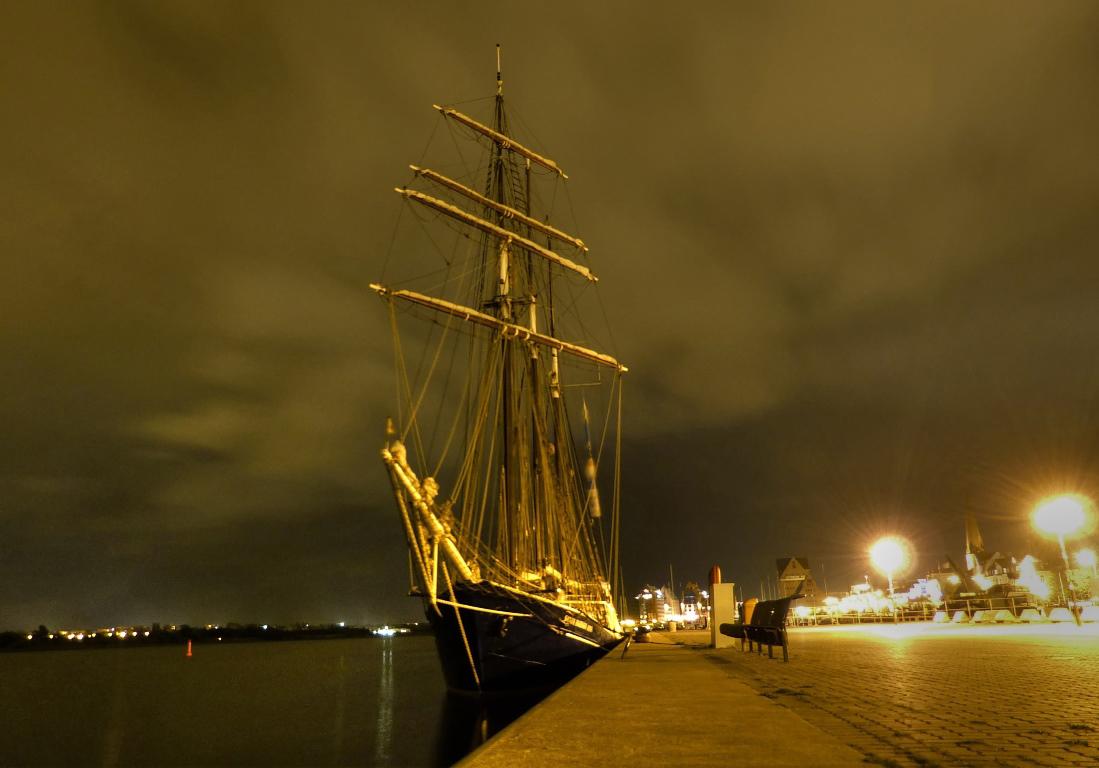 Abends im Stadthafen